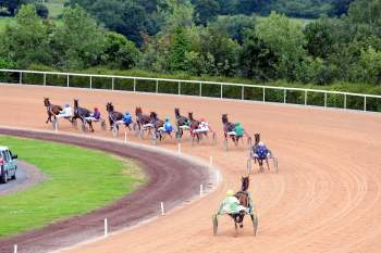 Photo Graignes Trot Attelé Piste Virage