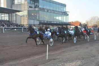 Photo Kuurne piste trot tribunes public