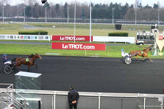 Photo d'arrivée de la course pmu PRIX DE FUSTIGNAC à PARIS-VINCENNES le Mercredi 21 décembre 2016