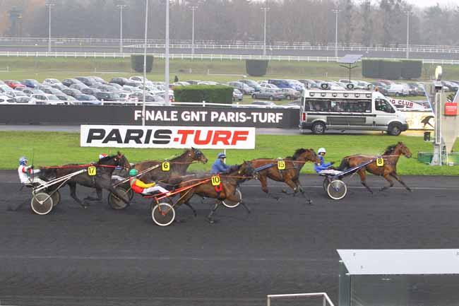 Arrivée quinté pmu FINALE DU GRAND NATIONAL DU TROT PARIS-TURF à PARIS-VINCENNES