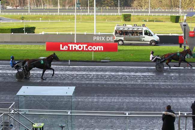 Photo d'arrivée de la course pmu PRIX DE GRAY à PARIS-VINCENNES le Mercredi 3 janvier 2018