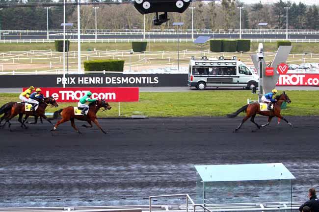 Photo d'arrivée de la course pmu PRIX HENRI DESMONTILS à PARIS-VINCENNES le Samedi 3 mars 2018