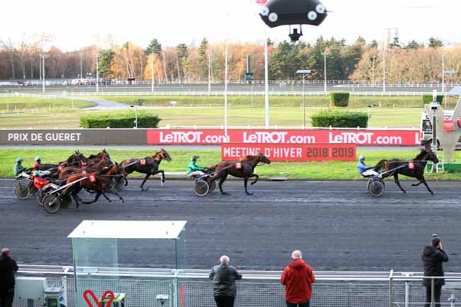 Photo d'arrivée de la course pmu PRIX DE GUERET à PARIS-VINCENNES le Lundi 3 décembre 2018