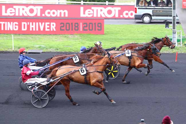 Photo d'arrivée de la course pmu PRIX DE COUCY-LE-CHATEAU à PARIS-VINCENNES le Jeudi 3 janvier 2019