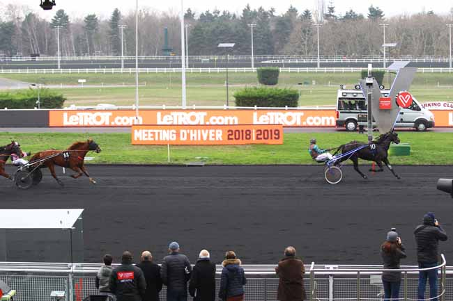 Photo d'arrivée de la course pmu PRIX DE CHATEAUGIRON à PARIS-VINCENNES le Samedi 5 janvier 2019