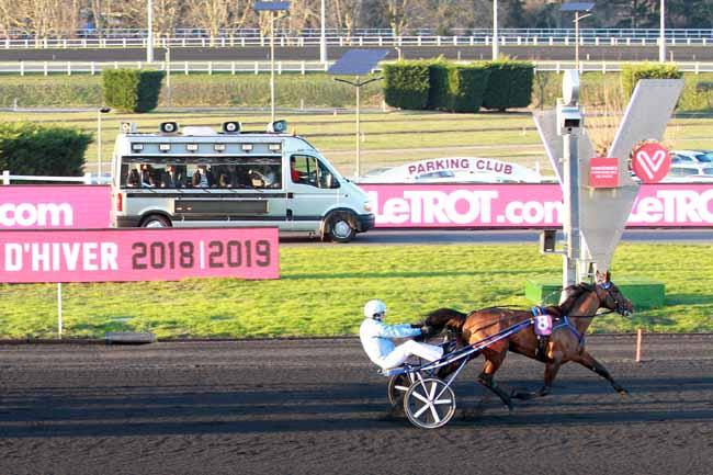 Photo d'arrivée de la course pmu PRIX DE ROUEN à PARIS-VINCENNES le Dimanche 3 février 2019