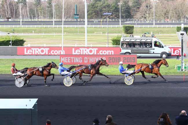Photo d'arrivée de la course pmu PRIX DE GOURNAY-EN-BRAY à PARIS-VINCENNES le Samedi 9 février 2019