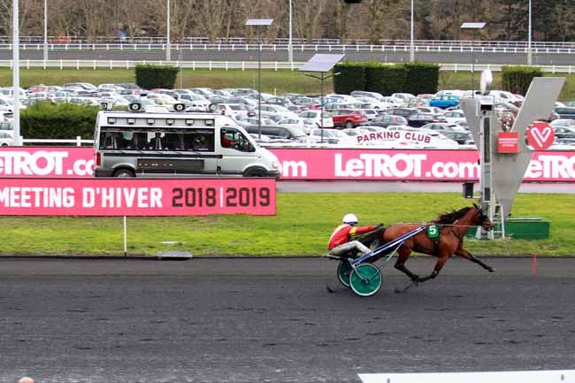 Photo d'arrivée de la course pmu GRAND PRIX DE FRANCE à PARIS-VINCENNES le Dimanche 10 février 2019