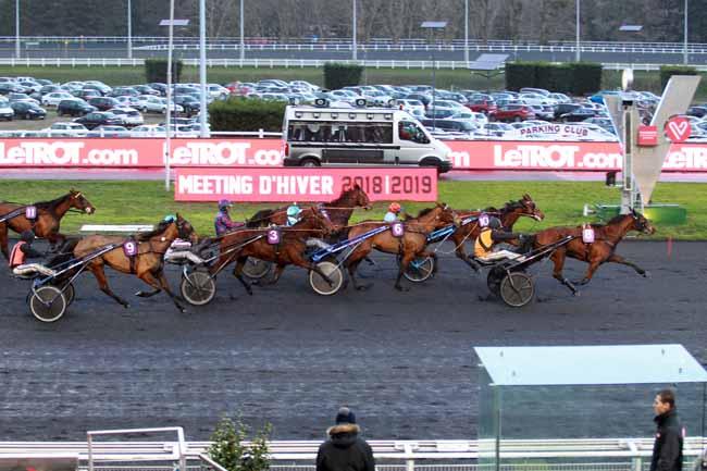 Photo d'arrivée de la course pmu PRIX JEAN LE GONIDEC à PARIS-VINCENNES le Dimanche 10 février 2019