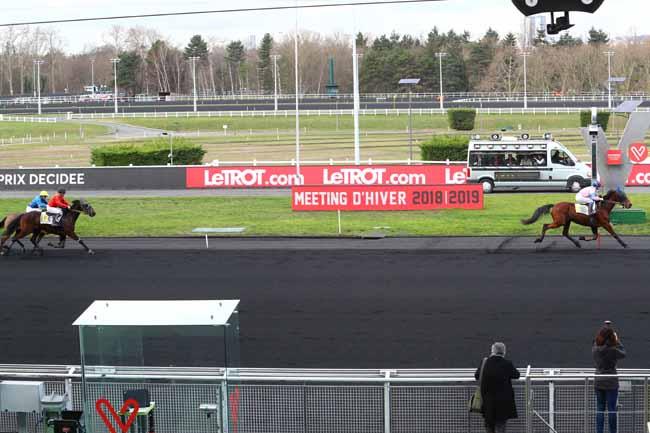 Photo d'arrivée de la course pmu PRIX DECIDEE à PARIS-VINCENNES le Lundi 11 février 2019