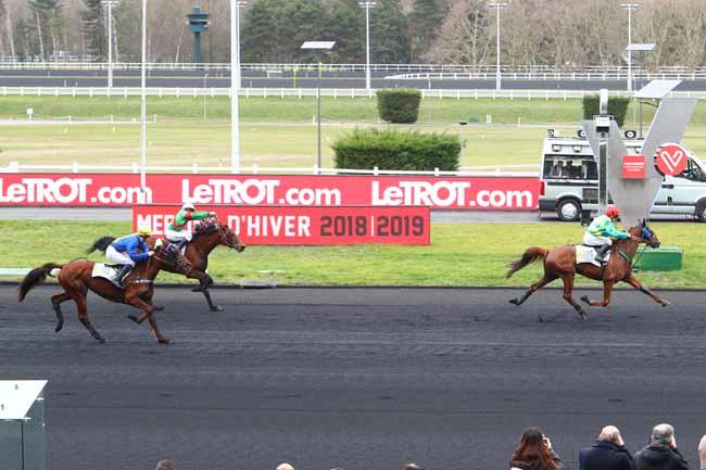 Photo d'arrivée de la course pmu PRIX LOUIS LE BOURG à PARIS-VINCENNES le Samedi 2 mars 2019