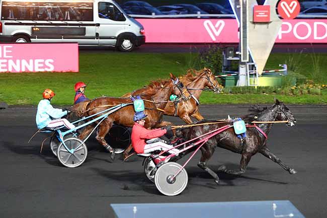 Photo d'arrivée de la course pmu PRIX ATLANTIC à PARIS-VINCENNES le Samedi 9 novembre 2019