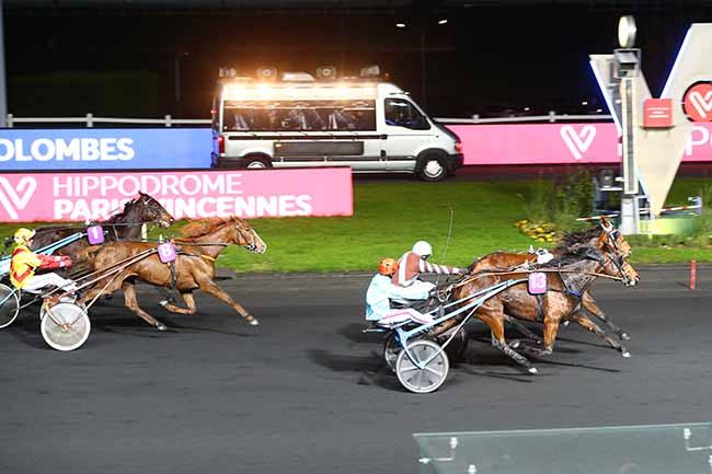 Photo d'arrivée de la course pmu PRIX DE COLOMBES à PARIS-VINCENNES le Samedi 9 novembre 2019