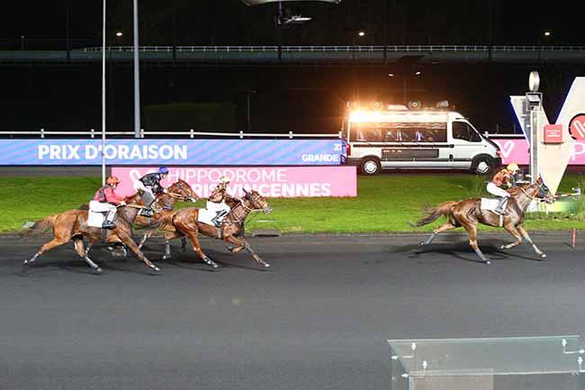 Photo d'arrivée de la course pmu PRIX D'ORAISON à PARIS-VINCENNES le Samedi 9 novembre 2019