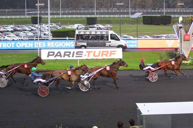 Photo d'arrivée de la course pmu LETROT OPEN DES REGIONS - 3 ANS à PARIS-VINCENNES le Dimanche 1 décembre 2019