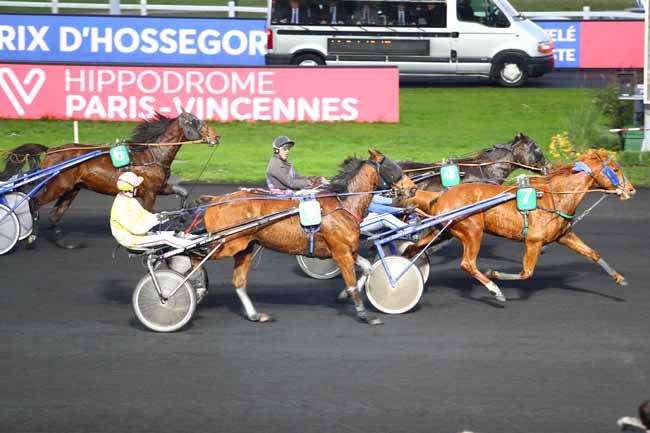 Photo d'arrivée de la course pmu PRIX D'HOSSEGOR à PARIS-VINCENNES le Lundi 2 décembre 2019
