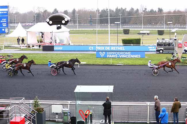 Photo d'arrivée de la course pmu PRIX DE RETHEL à PARIS-VINCENNES le Lundi 27 janvier 2020