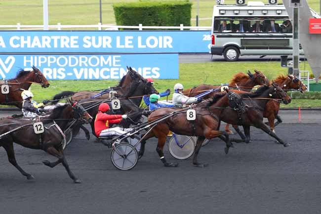 Arrivée quinté pmu PRIX DE LA CHARTRE-SUR-LE-LOIR à PARIS-VINCENNES