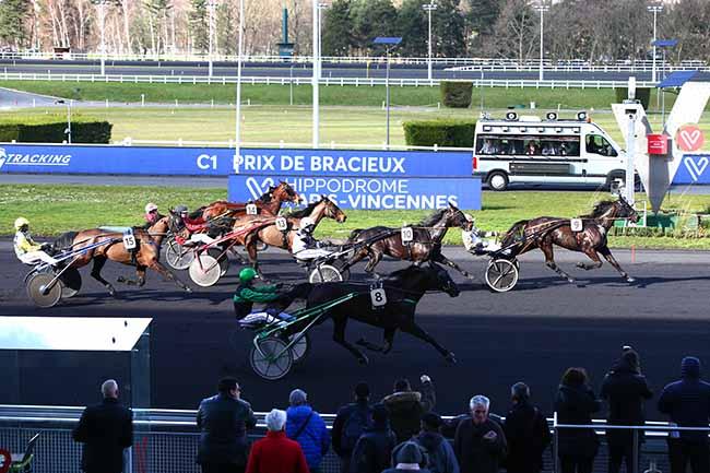 Photo d'arrivée de la course pmu PRIX DE BRACIEUX à PARIS-VINCENNES le Lundi 17 février 2020
