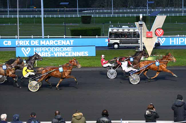 Photo d'arrivée de la course pmu PRIX DE MARCENAT à PARIS-VINCENNES le Lundi 17 février 2020
