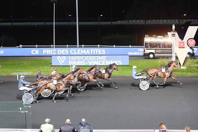 Photo d'arrivée de la course pmu PRIX DES CLEMATITES à PARIS-VINCENNES le Mercredi 28 octobre 2020