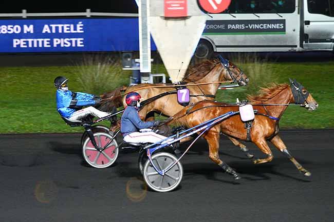 Photo d'arrivée de la course pmu PRIX DE CHATELLERAULT à PARIS-VINCENNES le Vendredi 1 janvier 2021