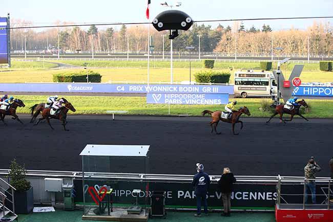 Photo d'arrivée de la course pmu PRIX YVONNICK BODIN à PARIS-VINCENNES le Samedi 2 janvier 2021