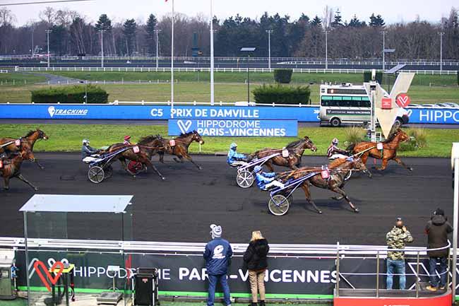 Photo d'arrivée de la course pmu PRIX DE DAMVILLE à PARIS-VINCENNES le Samedi 2 janvier 2021