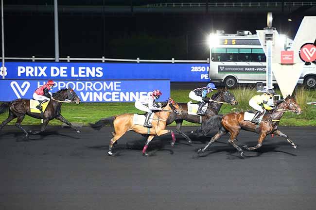 Photo d'arrivée de la course pmu PRIX DE LENS à PARIS-VINCENNES le Samedi 2 janvier 2021