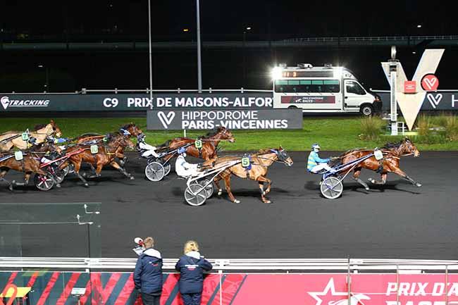 Photo d'arrivée de la course pmu PRIX DE MAISONS-ALFORT à PARIS-VINCENNES le Dimanche 3 janvier 2021