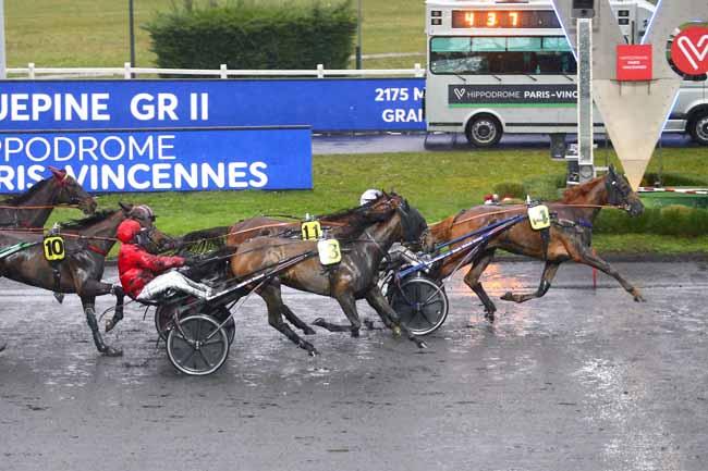 Photo d'arrivée de la course pmu PRIX ROQUEPINE à PARIS-VINCENNES le Samedi 6 février 2021