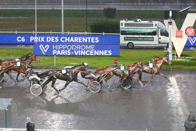 Photo d'arrivée de la course pmu PRIX DES CHARENTES à PARIS-VINCENNES le Samedi 6 février 2021