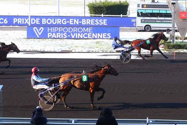Photo d'arrivée de la course pmu PRIX DE BOURG-EN-BRESSE à PARIS-VINCENNES le Mercredi 10 février 2021