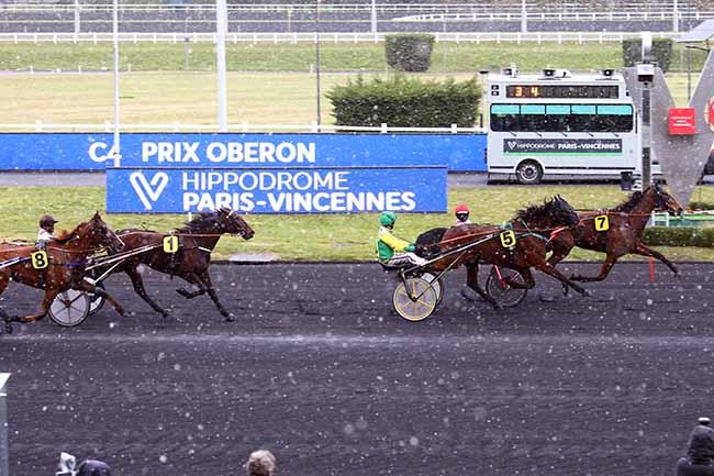 Photo d'arrivée de la course pmu PRIX OBERON à PARIS-VINCENNES le Mardi 6 avril 2021