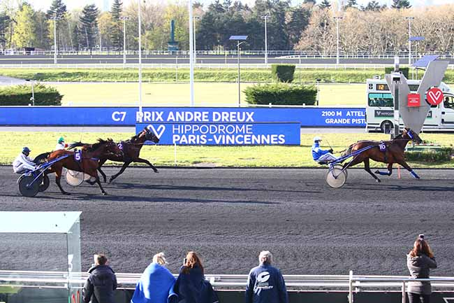 Photo d'arrivée de la course pmu PRIX ANDRE DREUX à PARIS-VINCENNES le Mardi 6 avril 2021