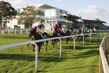 Photo Yarmouth piste herbe galop