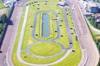 Photo Kuurne hippodrome vue aérienne piste