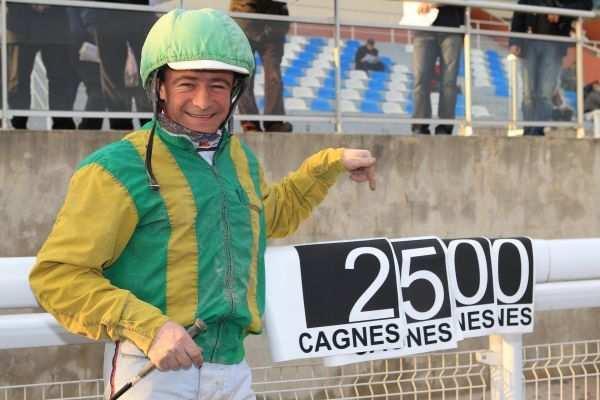 La photo de Franck Nivard  2500 victoires...