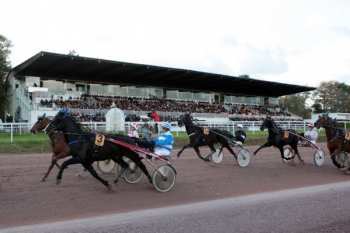 Photo Nantes tribunes trot