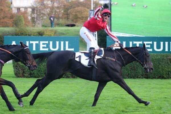 La photo de C'est Le Bouquet Course Pmu Prix Montgomery à Auteuil