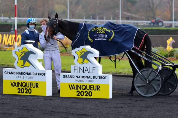 La photo de Elie De Beaufour Quinté PMU Finale du Grand National du Trot 06/12/2020