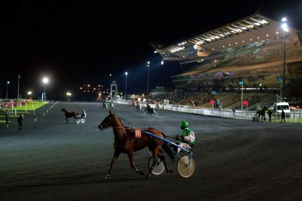 La photo de Hippodrome Vincennes Nocturne