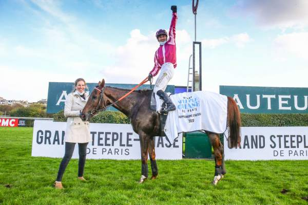 La photo de Docteur De Ballon Arrivée PMU Grand Steeple-Chase de Paris Hippodrome d'Auteuil 2020